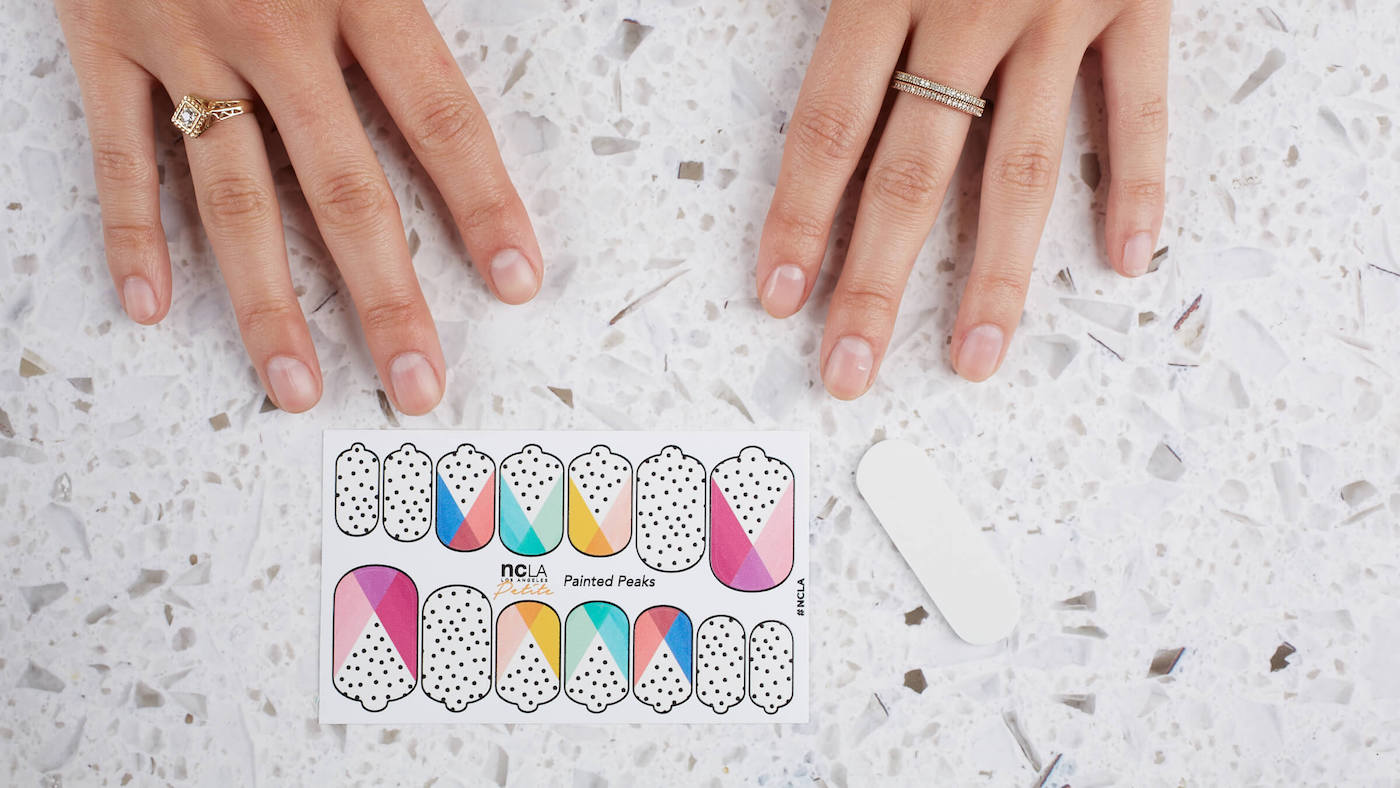 How to Apply NEW Nail Wraps! - Life made EC